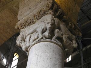 Dettaglio di un capitello, Abbazia di Sant'Antimo, Montalcino, Siena. Author and Copyright Marco Ramerini,