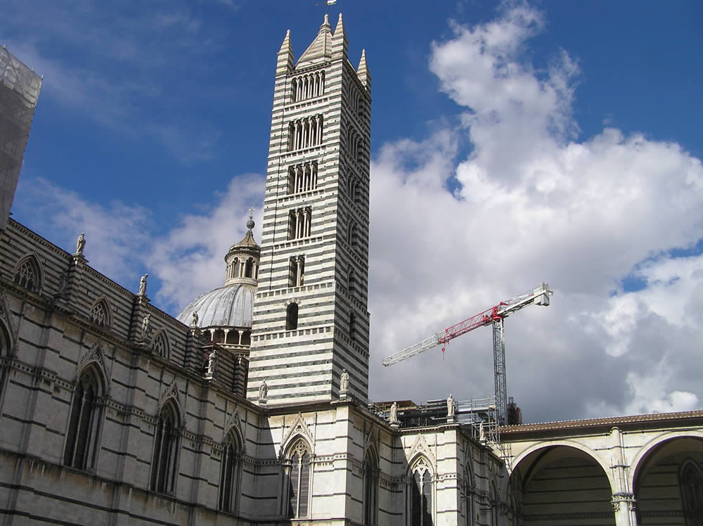 Le clocher de la cathédrale, Sienne. Auteur et Copyright Marco Ramerini
