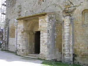 Il frontale dell'Abbazia di Sant'Antimo, Montalcino, Siena. Author and Copyright Marco Ramerini