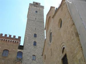 La Torre Grossa et le Duomo, Piazza del Duomo, San Gimignano, Sienne. Author and Copyright Marco Ramerini