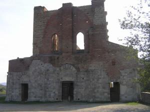 La facciata dell'Abbazia di San Galgano, Chiusdino, Siena. Author and Copyright Marco Ramerini