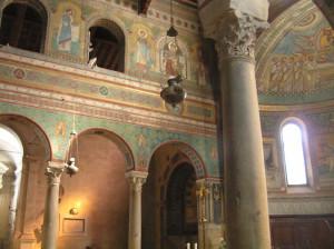 L'interno del Duomo, Chiusi, Siena. Autore e Copyright Marco Ramerini