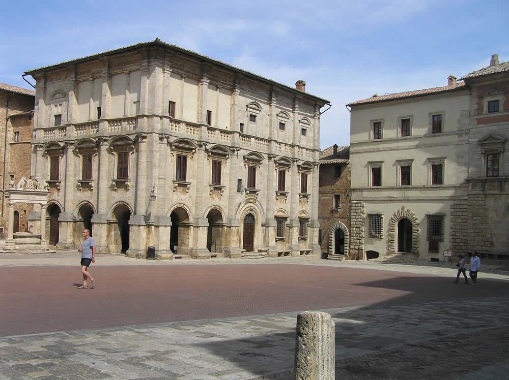 Palazzo Tarugi o dei Nobili (XVI secolo), Montepulciano, Siena. Author and Copyright Marco Ramerini.