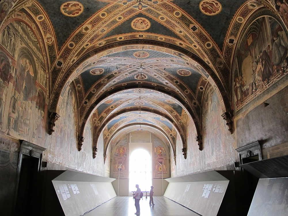 Le Pellegrinaio, Santa Maria della Scala, Sienne. Auteur Combusken. Licence Creative Commons-Share Alike