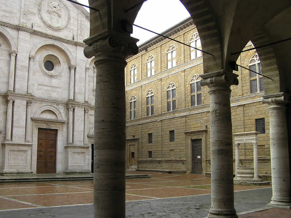 Piazza Pio II, Pienza, Val d'Orcia, Siena. Author and Copyright Marco Ramerini.