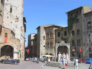 Piazza della Cisterna, San Gimignano, Siena. Author and Copyright Marco Ramerini.