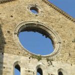 Rosace, Abbaye de San Galgano, Chiusdino, Sienne. Auteur et Copyright Marco Ramerini