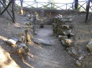 Tomba Etrusca, Necropoli del Poggino, Castellina in Chianti, Siena.. Author and Copyright Marco Ramerini