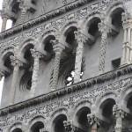 Dettaglio della facciata, Chiesa di San Michele in Foro, Lucca. Author and Copyright Marco Ramerini