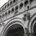 Dettaglio della facciata del Duomo, Lucca. Author and Copyright Marco Ramerini