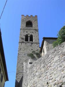 Il campanile della chiesa dei Ss. Jacopo e Martino, Uzzano, Pistoia. Author and Copyright Marco Ramerini
