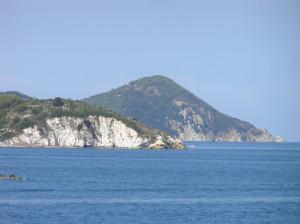 Le tronçon de la côte entre le Cap d'Enfola et Portoferraio, Île d'Elbe, Livourne. Auteur et Copyright Marco Ramerini