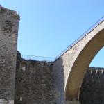 L'arco-ponte e il suo attacco alla Fortezza Senese, Massa Marittima, Grosseto. Author and Copyright Marco Ramerini