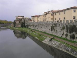 Le mura di Prato. Author and Copyright Marco Ramerini.