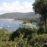 L'isola di Paolina nel golfo di Procchio, Marciana, Isola d'Elba, Livorno. Author and Copyright Marco Ramerini