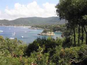 L'île de Paolina dans le golfe de Procchio, Marciana, Île d'Elbe, Livourne. Auteur et Copyright Marco Ramerini