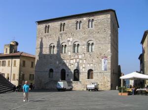 Palazzo Pretorio, Massa Marittima, Grosseto. Author and Copyright Marco Ramerini