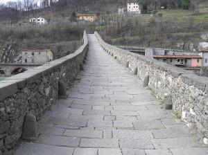 Ponte del Diavolo o Ponte della Maddalena, Borgo a Mozzano, Lucca. Author and Copyright Marco Ramerini
