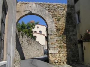 Porta Eleonora (lato esterno), Massa Marittima, Grosseto. Author and Copyright Marco Ramerini