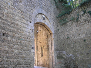 Porta San Francesco (lato esterno), Massa Marittima, Grosseto. Author and Copyright Marco Ramerini