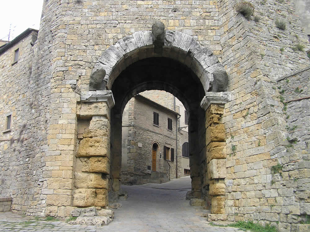 Porta dell'Arco Etrusco, Volterra. Author and Copyright Marco Ramerini