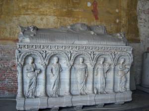 Sarcofago romano, Camposanto, Pisa. Author and Copyright Nello e Nadia Lubrina
