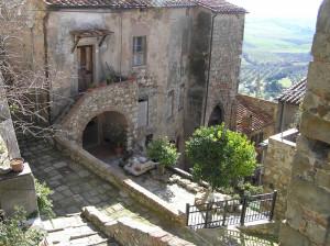 Scorcio caratteristico, Montemassi, Roccastrada, Grosseto. Author and Copyright Marco Ramerini