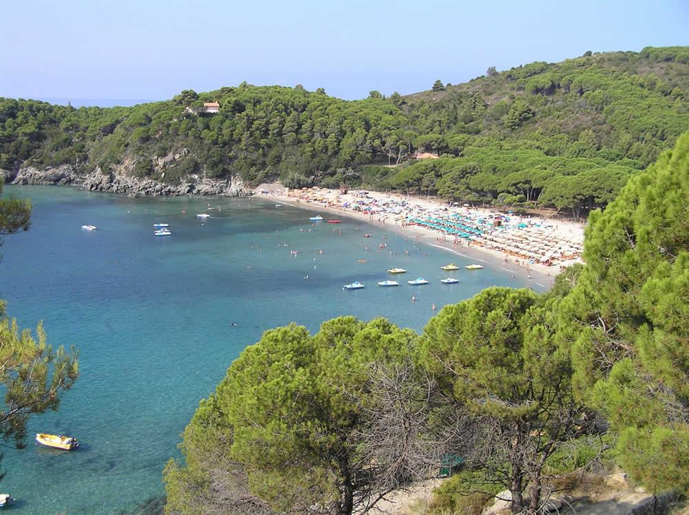 Plage, Fetovaia, Campo nell'Elba, Île d'Elbe, Livourne.. Auteur et Copyright Marco Ramerini