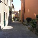 Via di Montecarlo, sullo sfondo la Porta Fiorentina. Author and Copyright Marco Ramerini