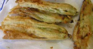 Fiori di Zucca fritti. Autore e Copyright Laura Ramerini