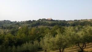 La chiesa del Borghetto vista da Spoiano. Autore Marco Ramerini
