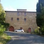La grande casa colonica sulla salita che da Bagnano porta a San Donnino. Autore Marco Ramerini