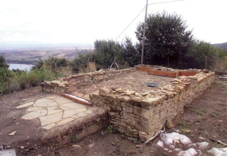 La cappella gentilizia (foto da REDI, FORGIONE, La presenza medievale nelle località di San Cerbone Vecchio e di Fonte San Cerbone, in Scienze dell'Antichità 12, 20042005)