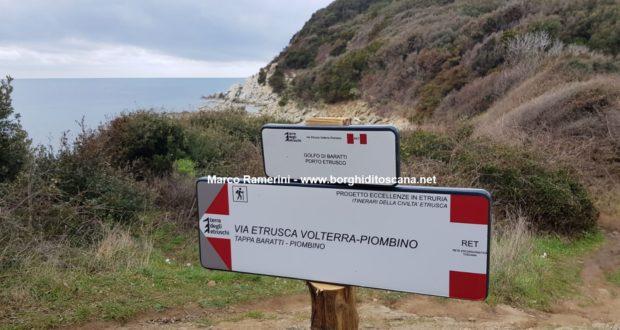 Passeggiata sul mare tra San Vincenzo e Baratti. Cartello del sentiero della Via Etrusca. Autore e Copyright Marco Ramerini