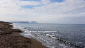 Passeggiata sul mare tra San Vincenzo e Baratti. La spiaggia del Parco di Rimigliano. Autore e Copyright Marco Ramerini