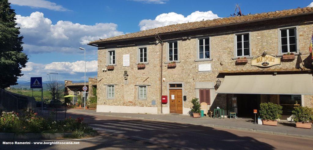 Il Municipio di Barberino Val d'Elsa. Autore e Copyright Marco Ramerini