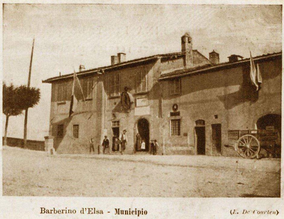 Il Municipio di Barberino val d'Elsa in una vecchia cartolina