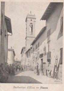 Il campanile delle chiesa di Barberino Val d'Elsa in una vecchia foto