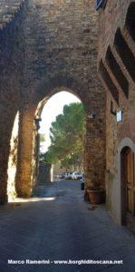 La Porta Senese, Barberino Val d'Elsa. Autore e Copyright Marco Ramerini