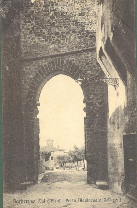 La Porta Senese in una vecchia fotografia