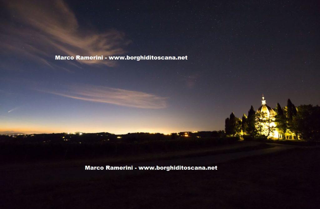 La cometa Neowise e la Cupola di San Donnino. Autore e Copyright Marco Ramerini