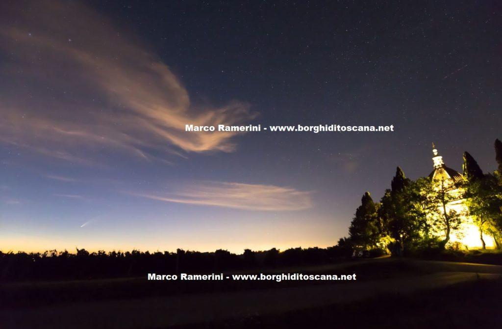 La cometa Neowise e la Cupola di San Donnino. Autore e Copyright Marco Ramerini..
