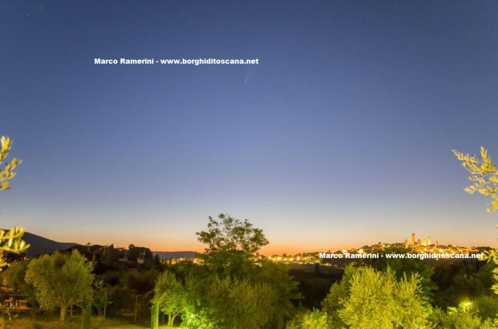 La Cometa Neowise e San Gimignano. Autore e Copyright Marco Ramerini