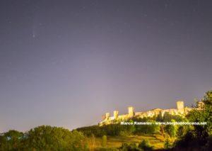 Monteriggioni e la cometa Neowise. Autore e Copyright Marco Ramerini