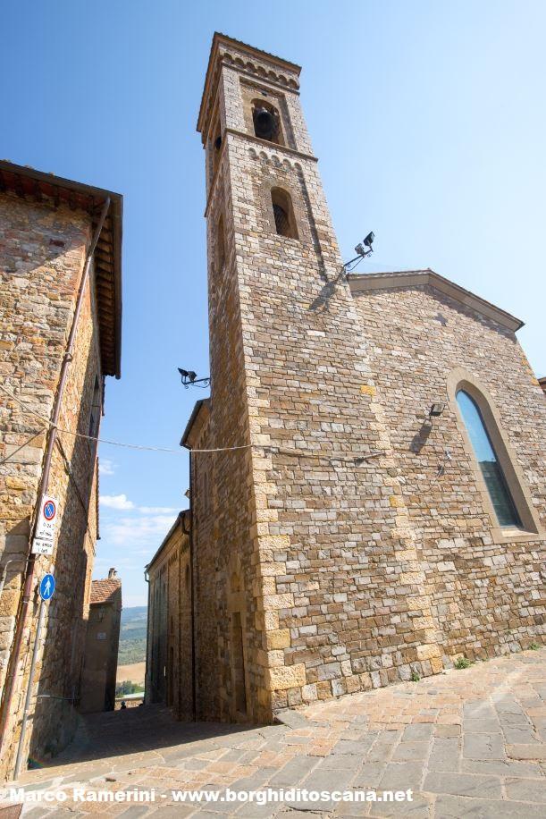 Il vicolo dove probabilmente era la vecchia chiesa di Barberino Val d'Elsa. Autore e Copyright Marco Ramerini