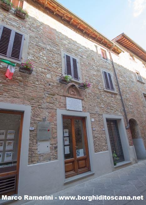 L'attuale edificio della chiesa di Santa Lucia a Barberino. Autore e Copyright Marco Ramerini