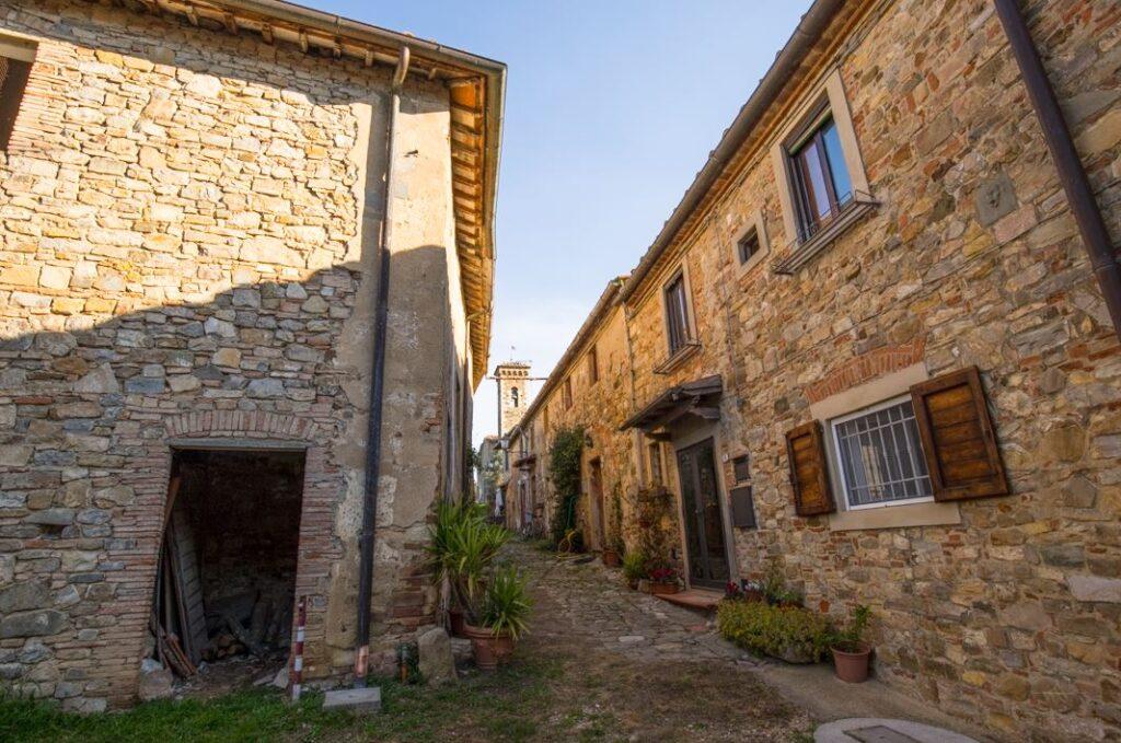 Il borgo di San Filippo a Ponzano (Foto: Marco Ramerini)