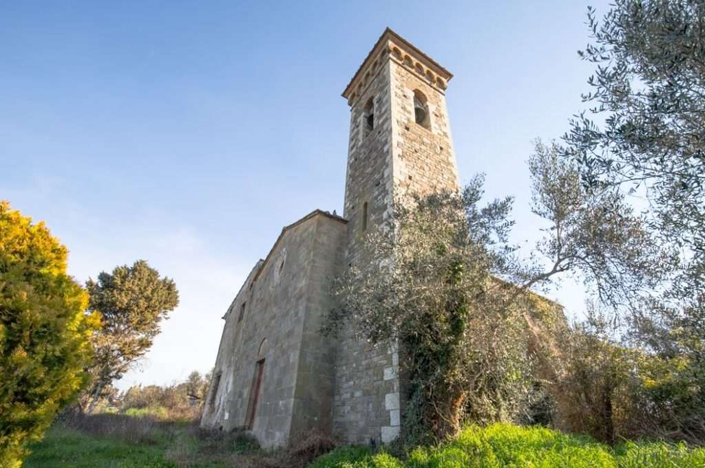 La Chiesa dei Santi Filippo e Jacopo a Ponzano. Autore Marco Ramerini