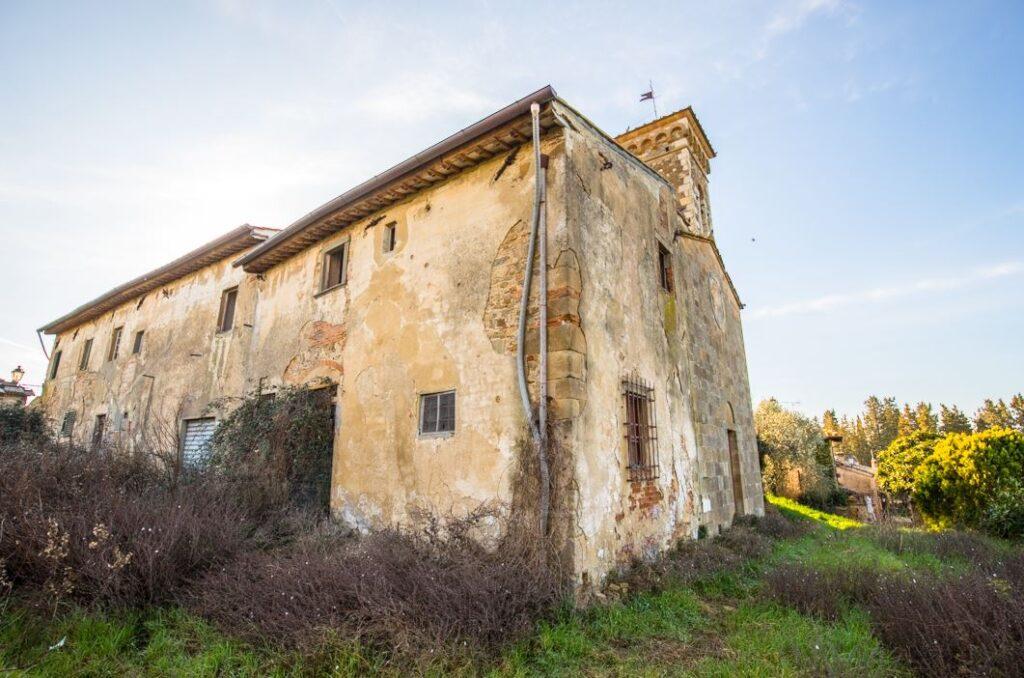 La casa del Parroco della Chiesa dei Santi Filippo e Jacopo a Ponzano (Foto: Marco Ramerini)