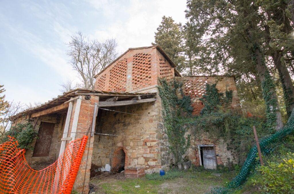 Quello che dovrebbe essere l'edificio della vecchia fornace (Foto: Marco Ramerini)